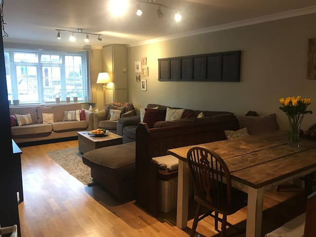Beautiful home in Kingston Upon Thames, KT1