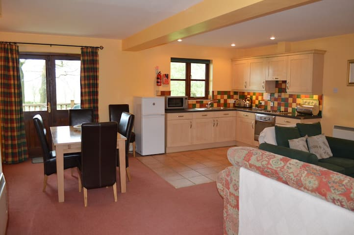 Lovely cottage with access to heated indoor pool