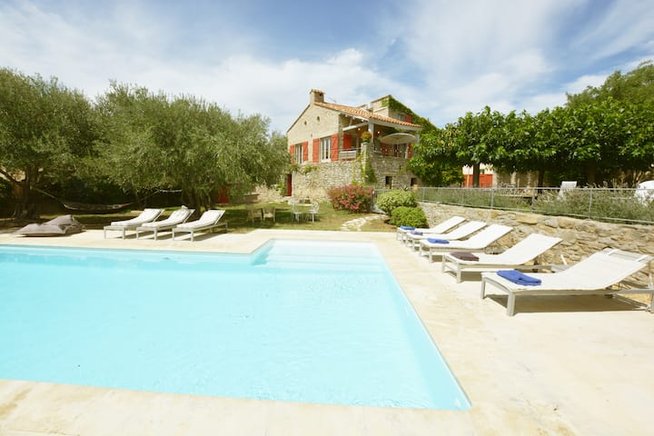 Luxury 5 Bedroom Home in Languedoc with Pool