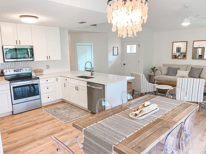 FULLY RENOVATED 3/2 private beachside home