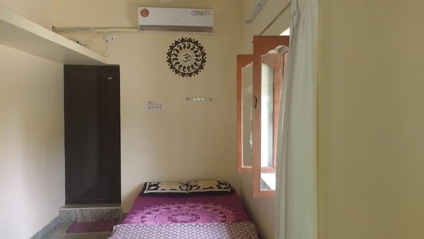 New Luxury House 1 Near Ramana with WIFI and AC