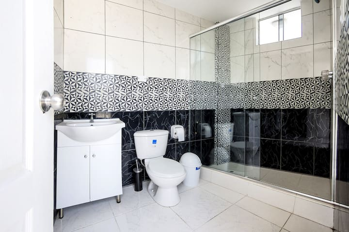 Baño de la Terraza/Terrace Bathroom
