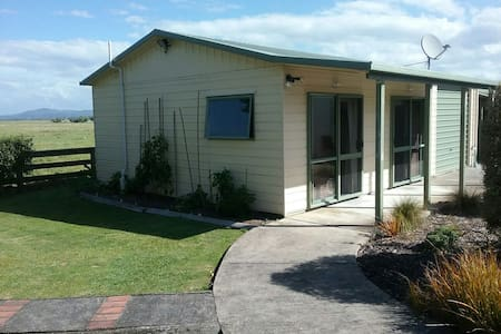Private self contained  unit - Thornton - Bed & Breakfast