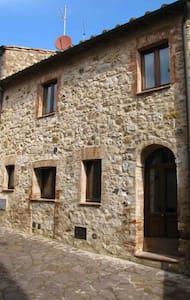 Castiglione d'Orcia, centro storico - Castiglione d'Orcia
