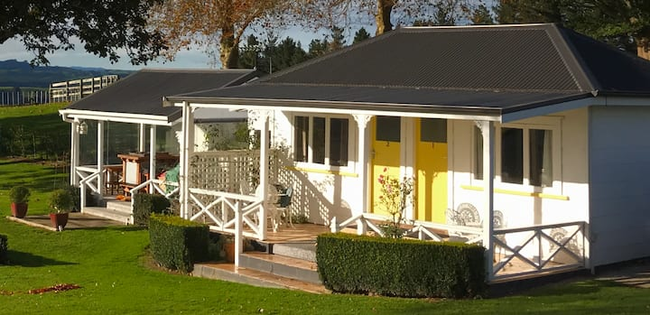 Karapiro Tui Cottage,  1 of 3 in a country garden