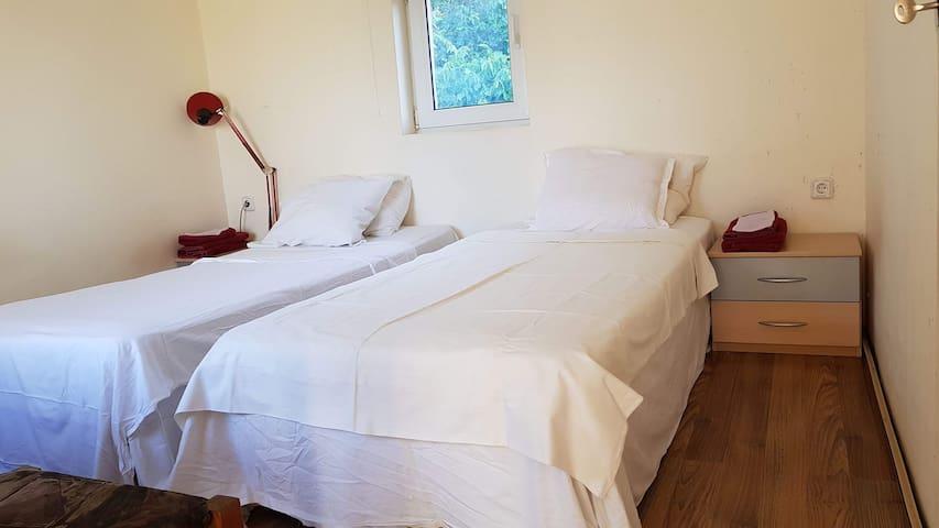 Casa del Populo, cosy rooms, b&b, sea view!