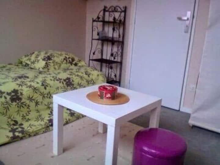 Halte  meublée 1 personne  quartier madeleine