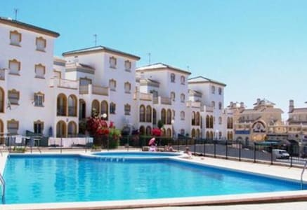 2 bed Apt in Molino Blanco, La Zenia