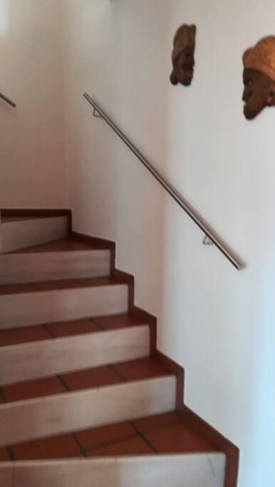 Escalera a dormitorios