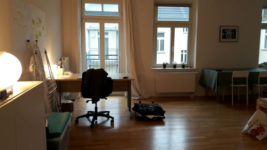 Apartment in Prenzlauer Berg w/ balcony