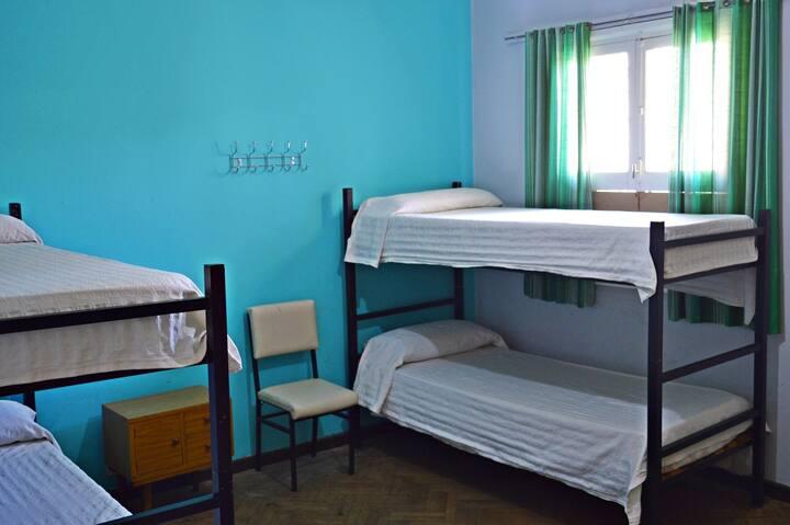 Habitación Triple de 3 camas, en pleno centro.