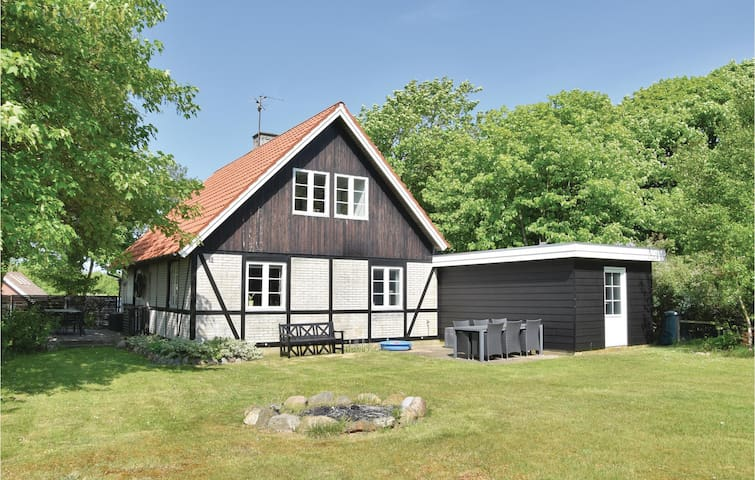 Holiday cottage with 3 bedrooms on 124m² in Ulfborg