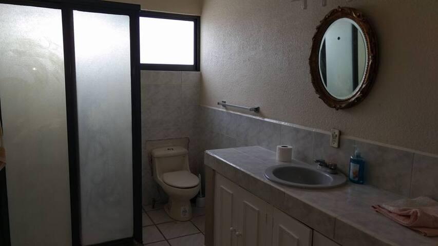 casa para vacaciones con alberca y jacuzzi 11 pax - Temixco - Maison