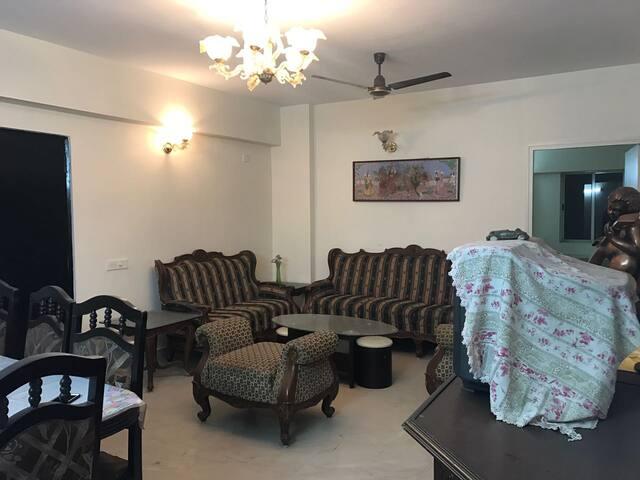 2 Rooms in Alcove Gloria - Near Airport -AC - WiFi - Kolkata - Apartamento