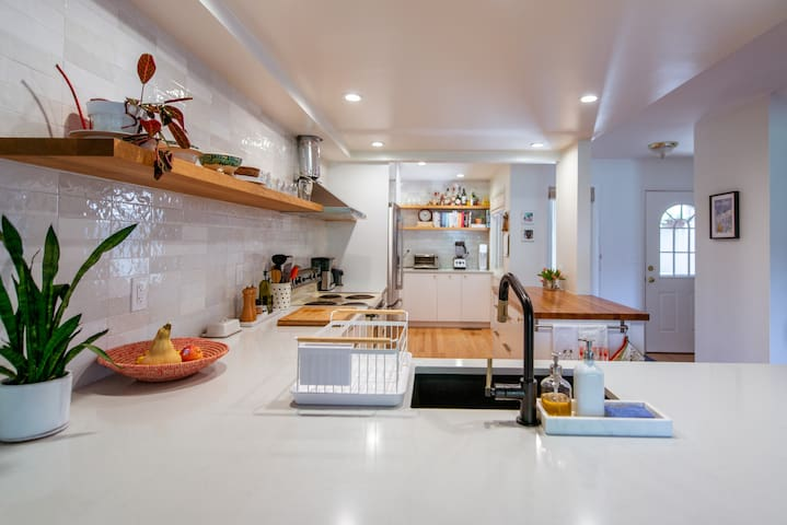 Newly Renovated and Spacious Townhouse