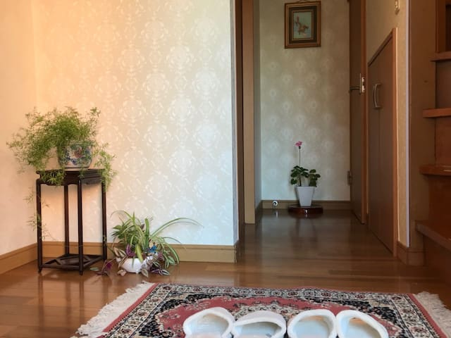 Japanese house near Sakura trees【ROOM B】