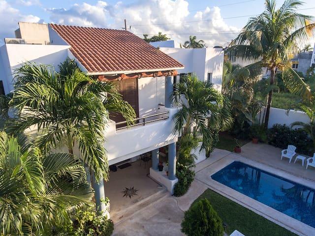 Casa Buena Vida! One Block From Ocean