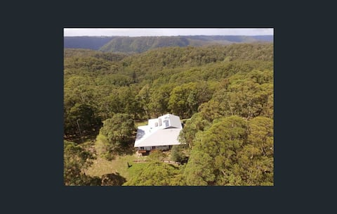 Off Grid seclusion, 10 minutes from Maleny