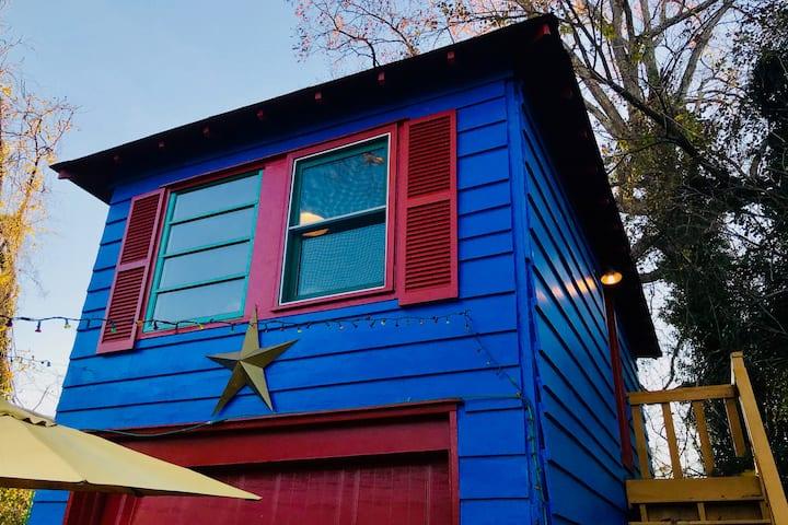 La Pequena Casa Azul - Upstairs Studio