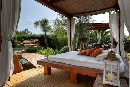 Cottage with Pool 16 min from Ibiza - Santa Eulària des Riu - House