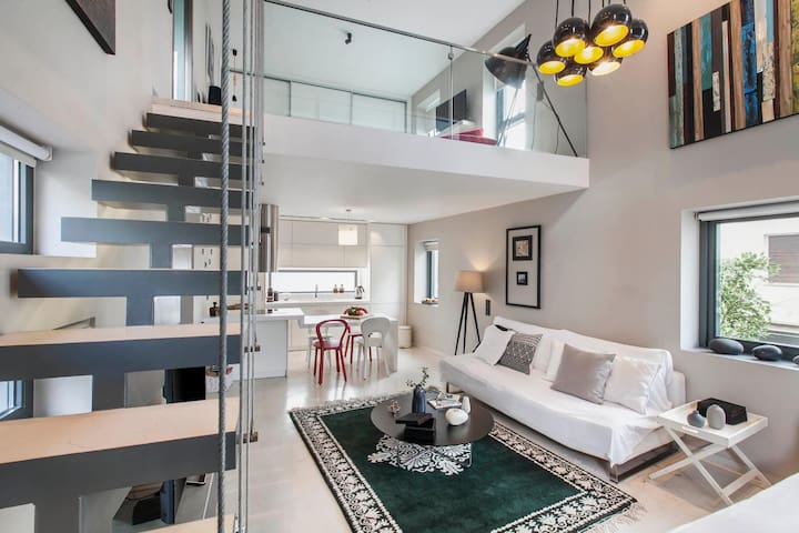 Loft apartment in Gazi, Athens - Athina - Dům