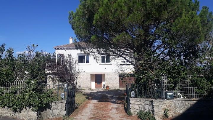 Ardoix : chambres dans maison Ardèche Verte