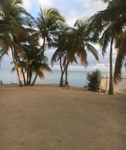 Beautiful Oceanfront Property, The Russell Estate - Islamorada