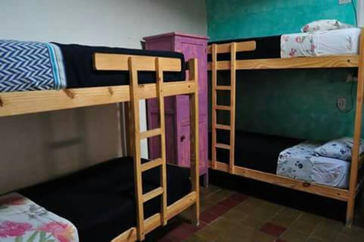 Hostal Viracocha.Habitación Compartida
