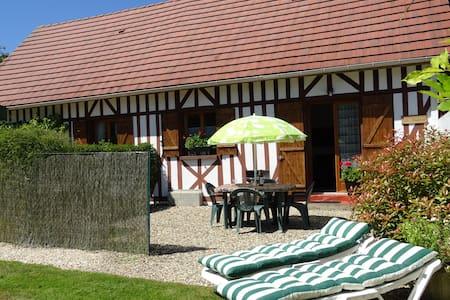 La MAISMENT. Comfortable, family-friendly gîte - Aclou - Rumah