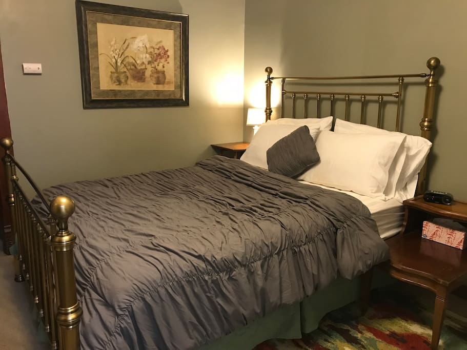 2nd bedroom, Queen Size Bed