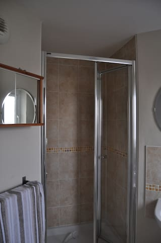 2 Bedroom Apartment-Aberdour Rd