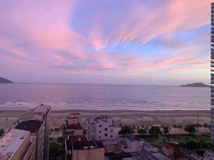 Flat  Alto Padrão Vista Mar exuberante