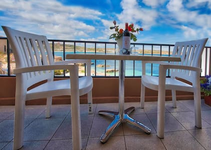 SEAFRONT FLAT- BEACH 10 meters away - Mellieħa - Apartament