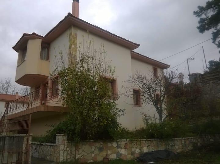 Μίτος Αριάδνης - Κατοικία Ερμής