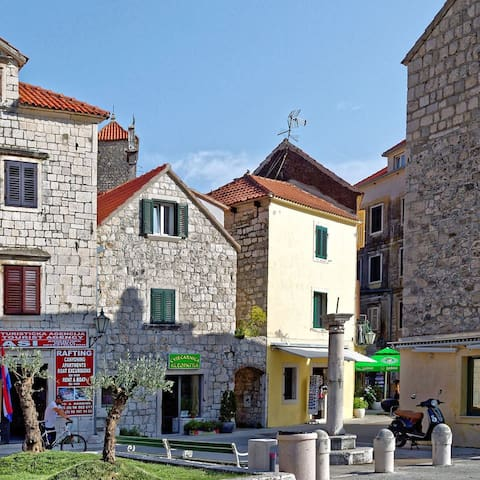 Old town Omiš studio apartment 1