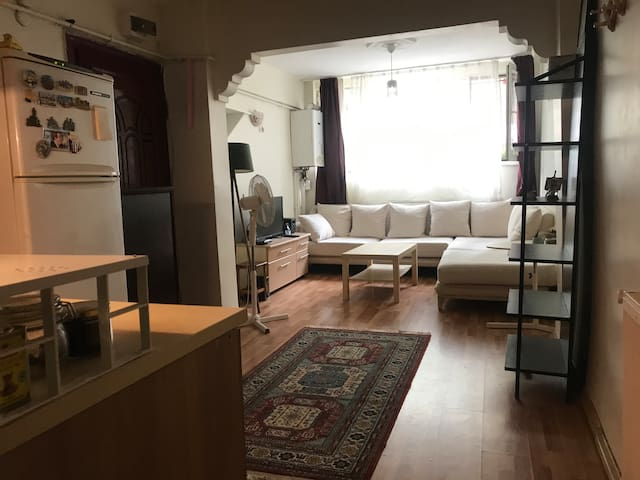 Useful and Cheap Flat in the Center of Besiktas