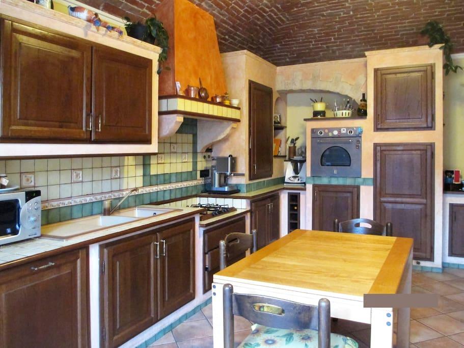 l' interno della cucina