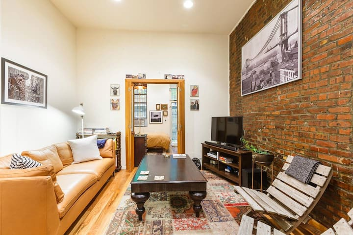 Fantastic Lower East Side Flat! #backyard #cozy