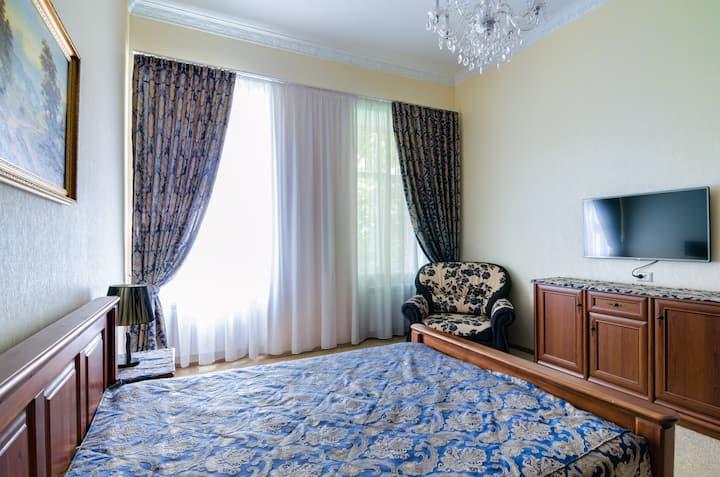 Розкішні апартаменти класу люкс в центрі Львова