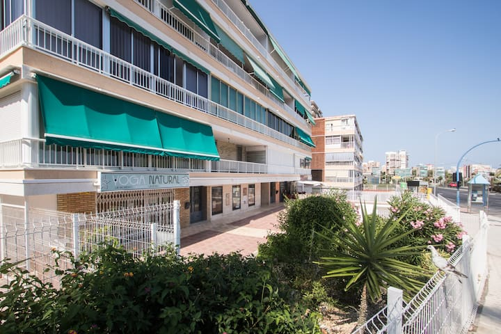 2 BR Apartment Near Albufereta Beach