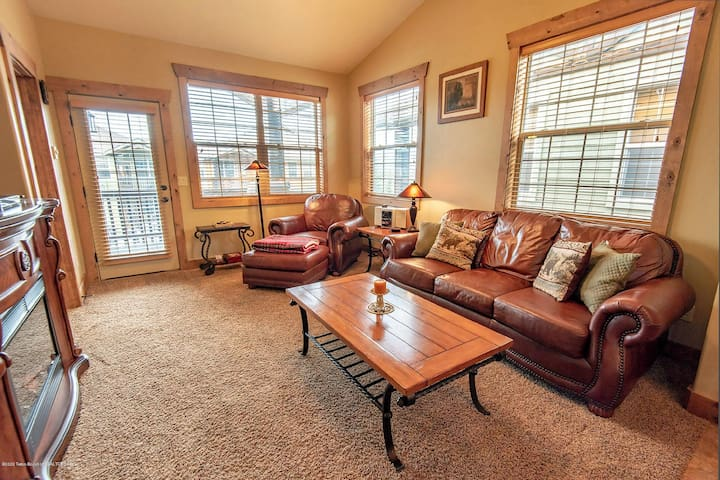 ★ Family Condo Near Grand Targhee and downtown Driggs