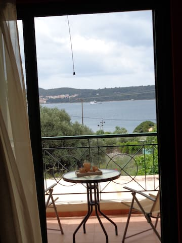 Apartments with sea view no 1 - argostoli - Apartemen