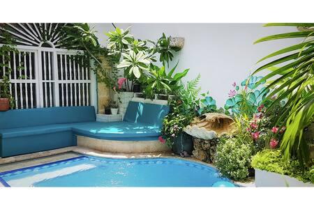 #3 Vibey Colonial Oasis Courtyard Pool & Workspace - Cartagena - Bed & Breakfast