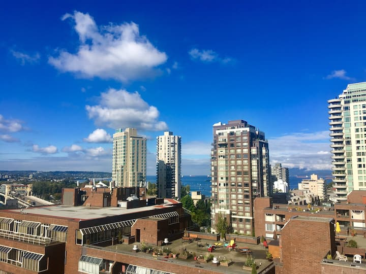 Downtown Vancouver Penthouse w/ large patio
