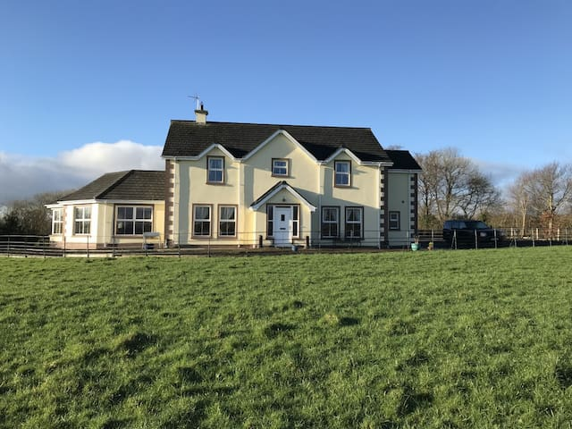An idyllic superior 4 bedroom detached house