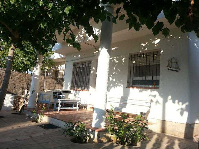 Casa Riumar, 3H, 2B - Riumar - Radhus