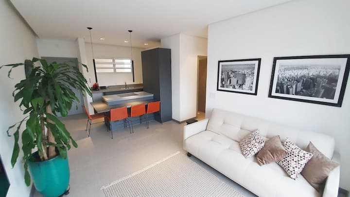 BRIGHT AND SPACIOUS PENTHOUSE IN JARDINS!