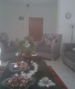 Its a very quiet house, nice garden - Ramallah - Aamiaismajoitus