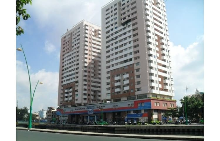 2BR Apartment at central Sai Gon - Ho Chi Minh City - Apartment