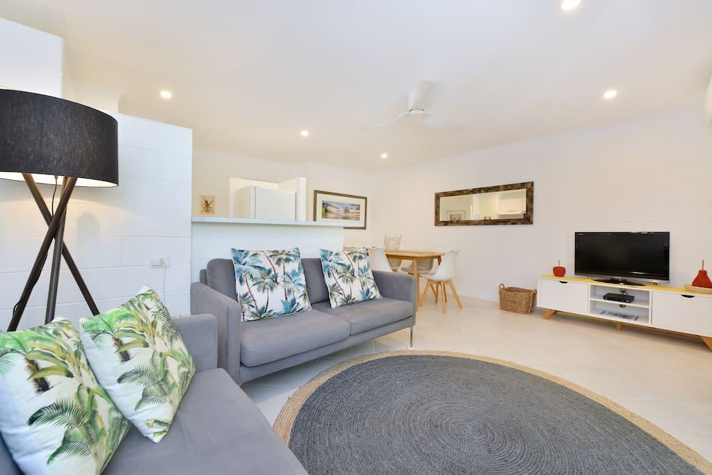 Updated furnishings & decor